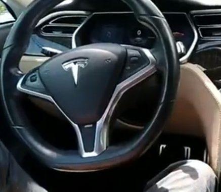 ADN Motor: el único modelo Tesla que circula por Chile