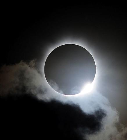 En Superciencia conversamos sobre el eclipse con los astrónomos Juan Carlos Beamin y Gaspar Galaz