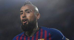 La sorprendente posición que el DT de Barcelona decidió poner a Vidal en el partido ante el Eibar