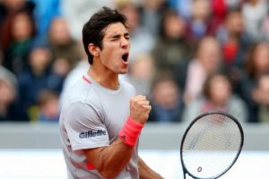 Con mucho sufrimiento Cristian Garin se instaló en la segunda ronda del ATP 500 de Río de Janeiro