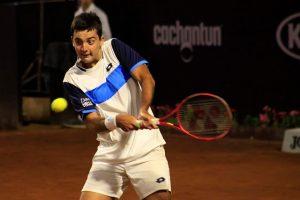Tomás Barrios se agigantó en San Carlos de Apoquindo y avanzó a los octavos de final del ATP de Santiago