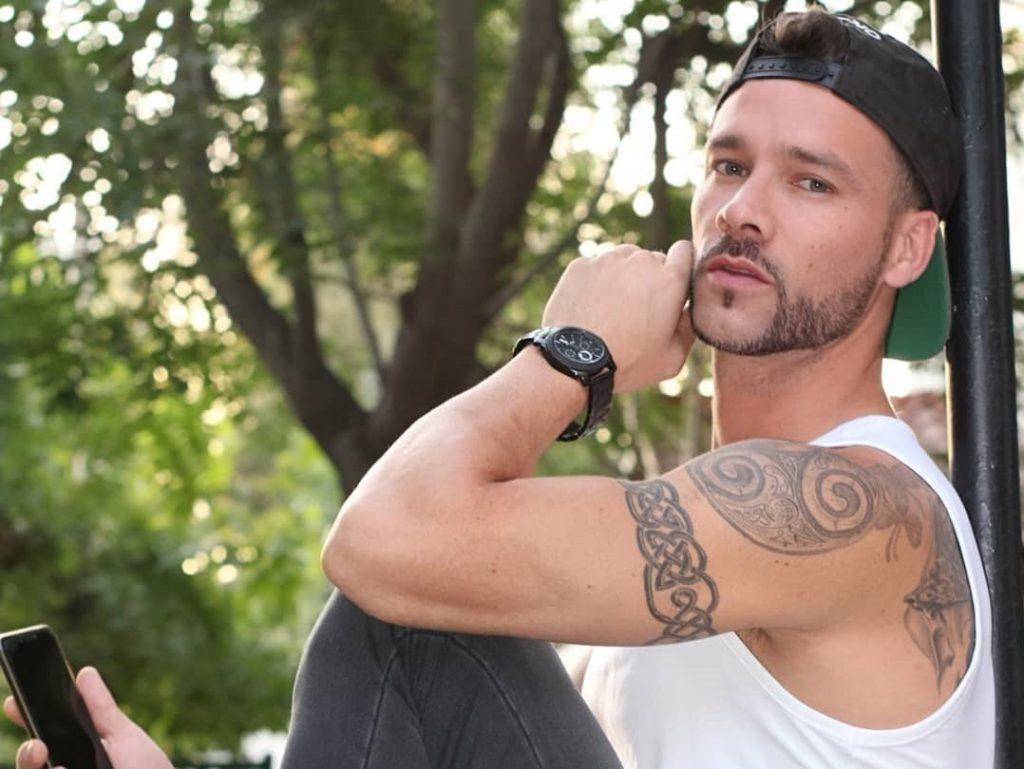 """""""Rastros de ti"""": Michael Murtagh estrenó su primera canción y de reggaetón"""