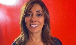"""""""Libres, vivas, unidas"""": el look feminista de Carmen Gloria Arroyo en la segunda noche de Viña 2020"""