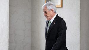 """Sebastián Piñera en su regreso de vacaciones: """"¿Marzo: Mes de acuerdos o de violencia?"""