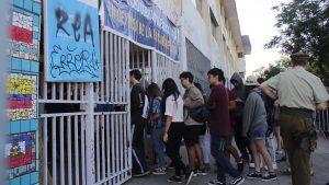 Ranking de puntajes PSU dejaron solo cuatro colegios municipales entre los mejores 100 de Chile