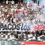 Barra de Colo Colo entonó cánticos en contra del Presidente Sebastián Piñera