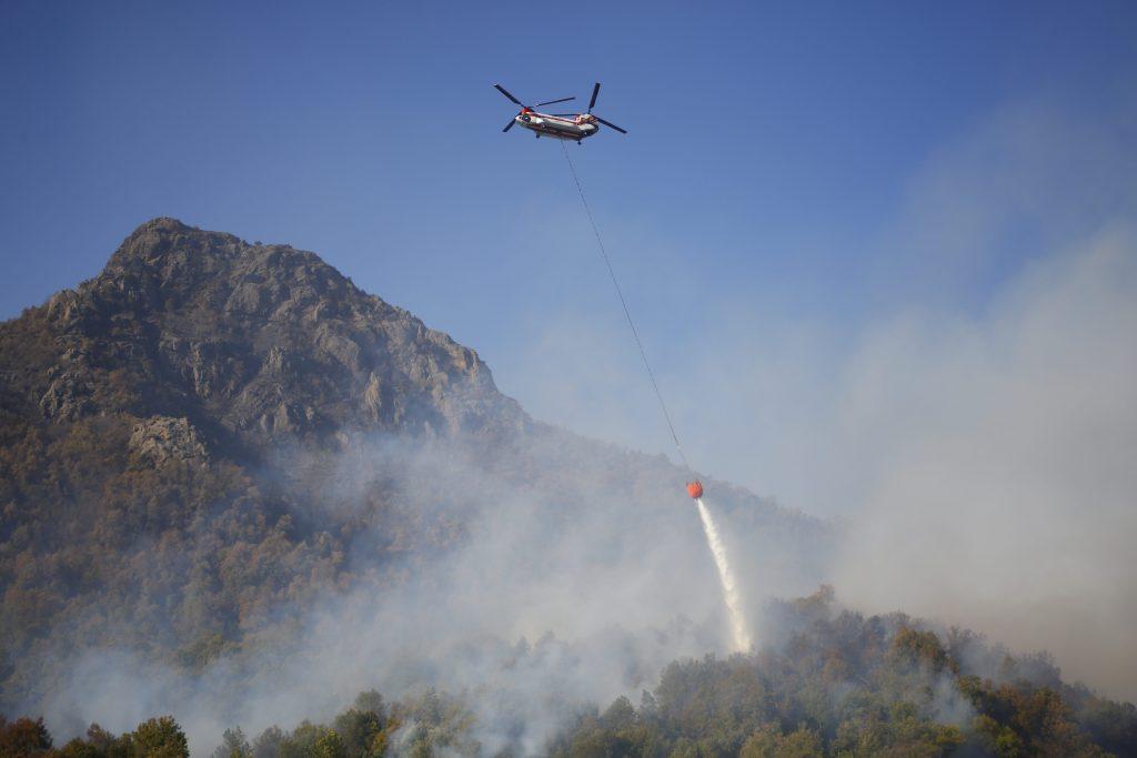 Alcaldesa de Molina pide al gobierno aviones de mayor capacidad para combatir incendio