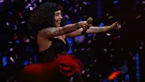 Mon Laferte abrió la segunda noche de Viña 2020 con un show que recordó al estallido social