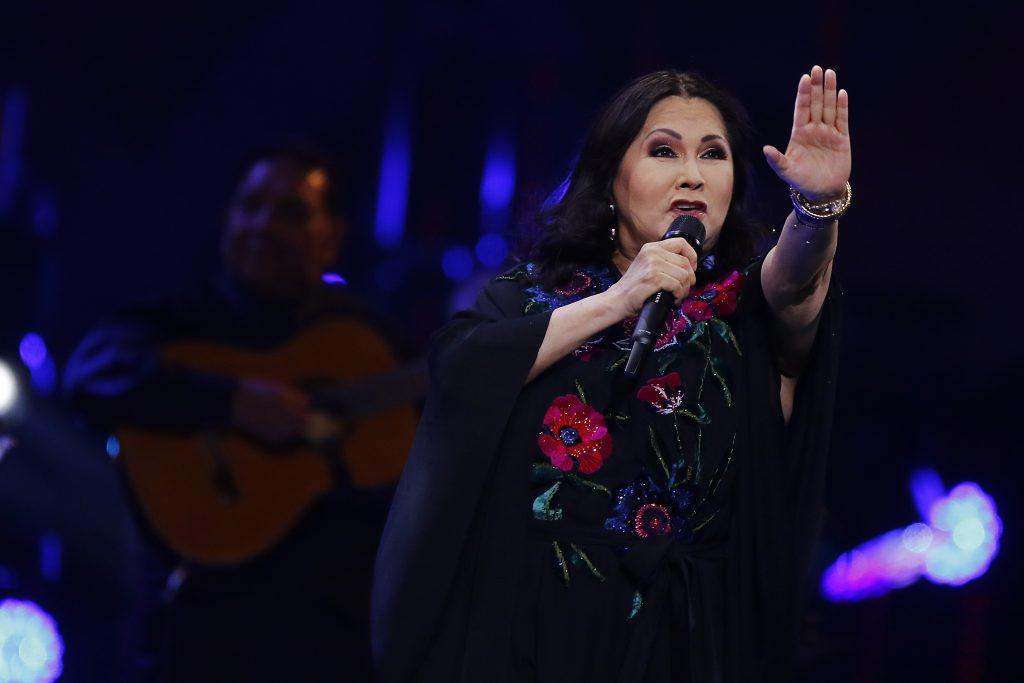 Revisa los memes y reacciones que dejó el show de Ana Gabriel en Viña 2020