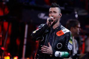 El tuit con el que Chilevisión trolleó el show de Maroon 5 en el Festival de Viña 2020