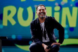 """La """"cortina"""" con la que Pedro Ruminot entró al escenario de Viña 2020"""