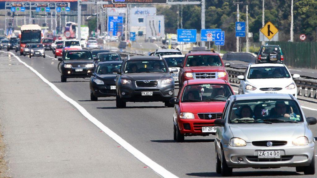 Carabineros proyectó la salida de 350 mil vehículos para este fin de semana