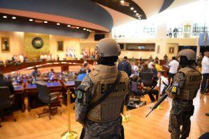 Congreso de El Salvador recomendó la destitución del ministro de defensa de Nayib Bukele
