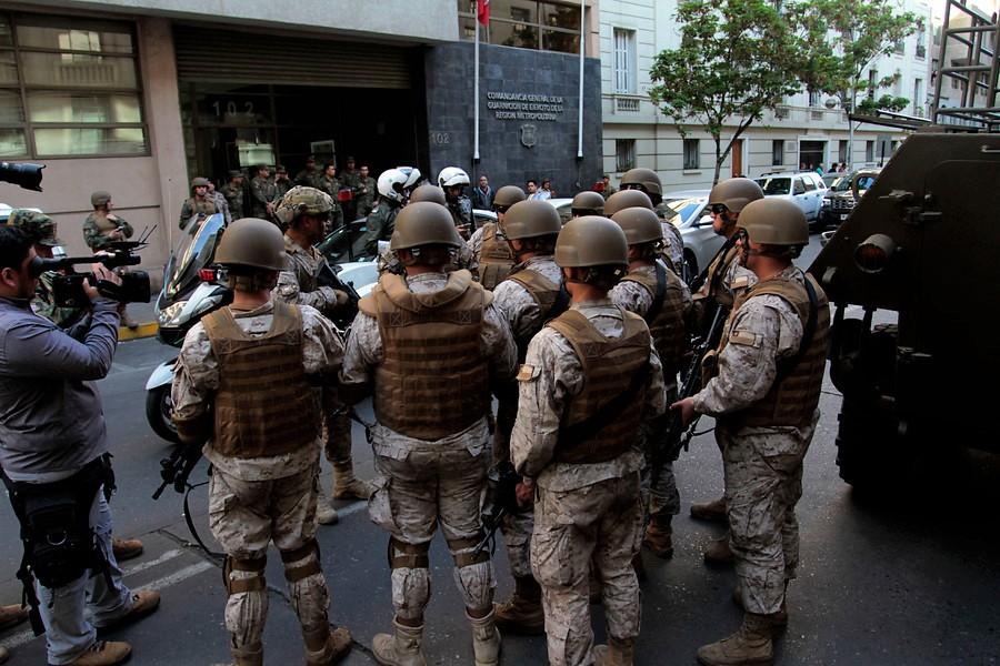 Efectivos militares en Santiago de Chile