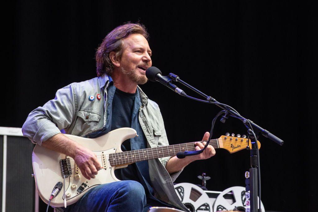 Hay que apuntar a la luna con el teléfono: Pearl Jam utilizó la realidad aumentada para anticipar nuevo single
