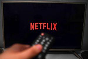 Netflix tendría interés en instalar una filial en Argentina y realizar película sobre El Eternauta