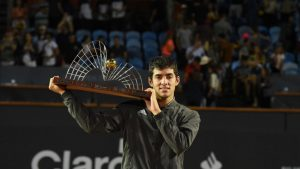 Arturo Vidal felicitó a Cristian Garin luego de ganar el ATP de Río