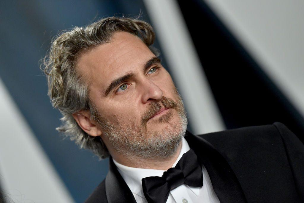 Joaquin Phoenix rescató a cordero recién nacido y su madre del sacrificio antes de ir a los Oscar