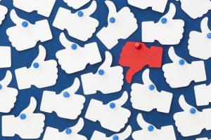 Fake news y campañas políticas: Facebook y su rol antes del plebiscito