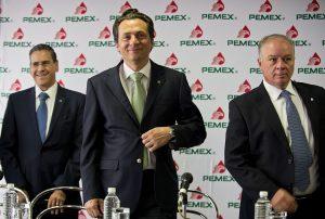 Exdirector de Pemex acusó a Peña Nieto de usar sobornos para la campaña electoral