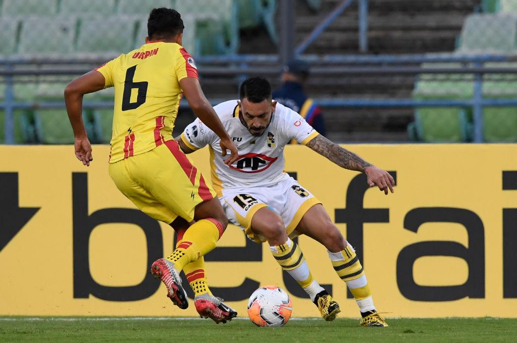 Mauricio Pinilla con Coquimbo Unido en la Copa Sudamericana