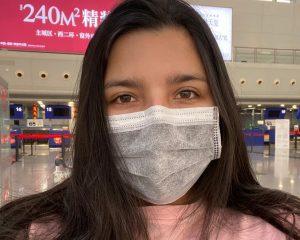 """""""Egoísta"""" e """"irresponsable"""": Joven chilena que regresó de China denunció insultos en su contra"""