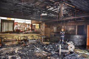 Ministerio del Interior interpuso querella por incendio en Café Literario de Providencia