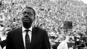 El coronavirus sigue golpeando el fútbol: Falleció Pape Diouf, expresidente del Olympique de Marsella