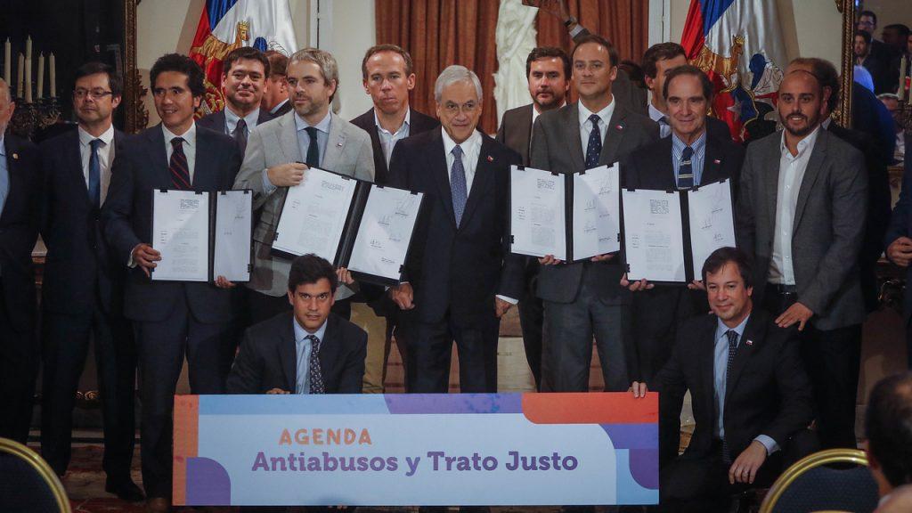 """Gobierno presentó agenda """"antiabusos"""" buscando castigar los denominados """"delitos de cuello y corbata"""""""