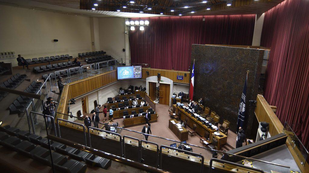 Será ley y se aplicaría de inmediato: Cámara despachó reforma constitucional que limita la reelección de autoridades