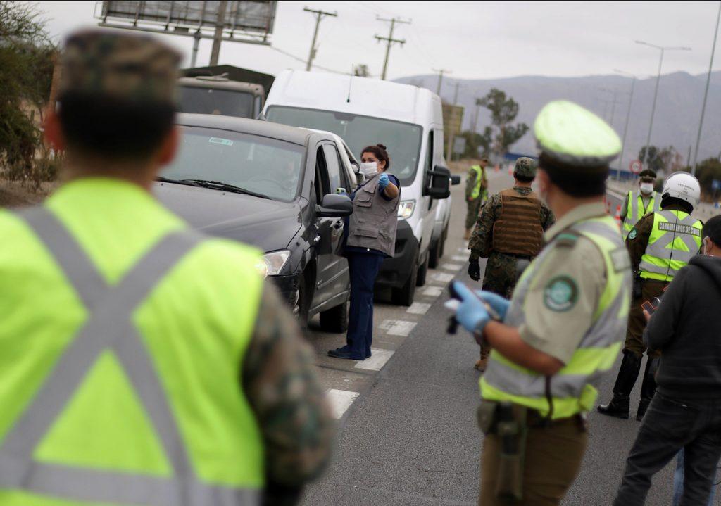 "Autoridades destacaron ""buena disposición"" de personas que fueron controladas en aduana sanitaria de la RM"