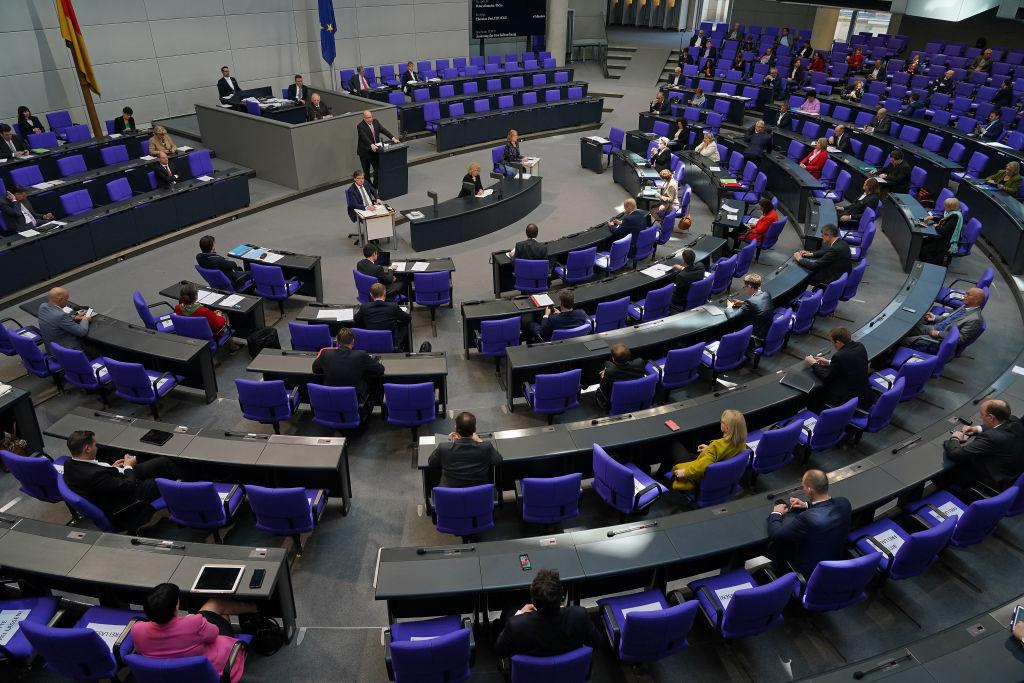 El Bundestag debate el proyecto de ayuda económica ante la crisis del Covid-19