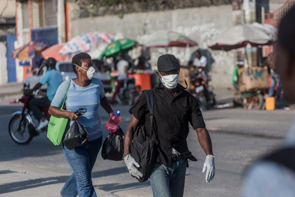 Los ciudadanos haitianos buscan protegerse del nuevo coronavirus