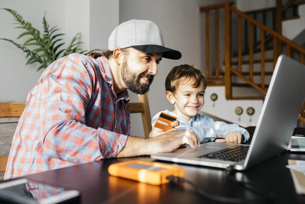 """Sitio web de Junji puso a disposición actividades en cuarentena: """"Tener a los niños en la casa en este momento no es fácil"""""""
