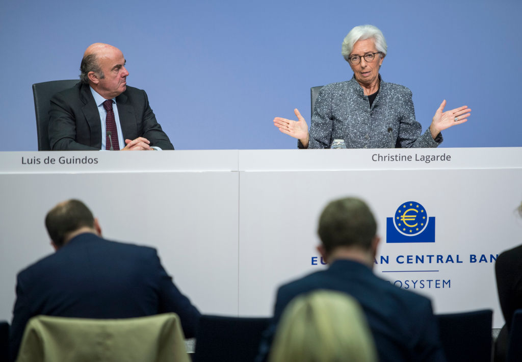 La titular del BCE, Christine Lagarde, habla con la prensa sobre la crisis del Covid-19