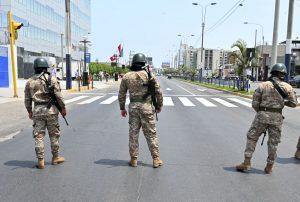 Policía detenido en Perú por organizar fiesta durante toque de queda por el Covid-19