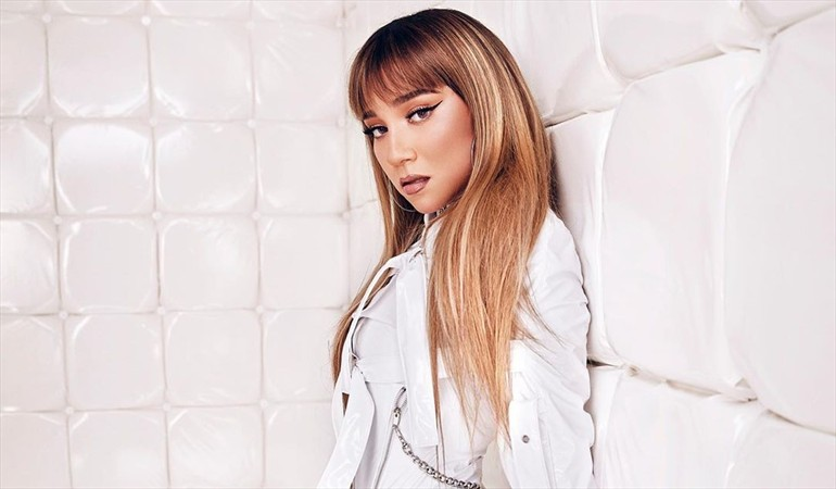 "Con videoclip grabado en casa: Princesa Alba lanzó versión acústica de ""Ya no quieres quererme"""