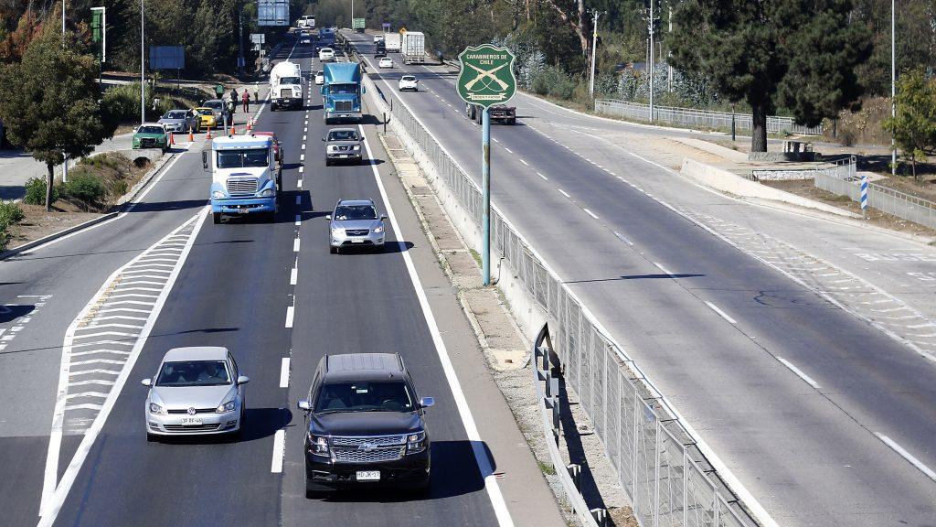 Informe de movilidad: Aumentaron los flujos vehiculares en Santiago y regiones