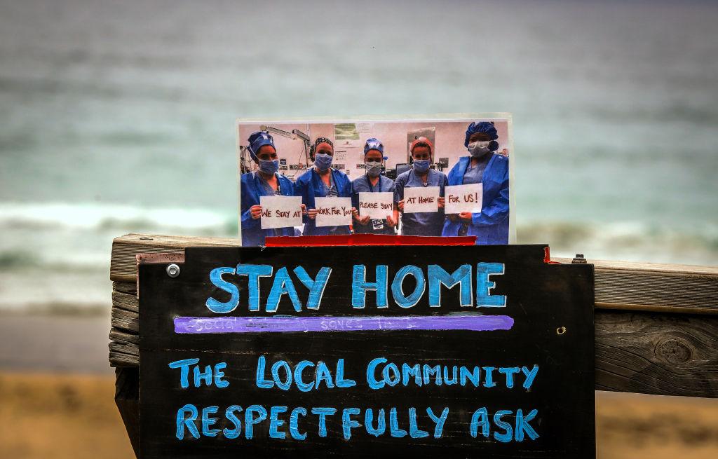 Los vecinos de la playa Mollymook piden a los turistas que regresen a sus casas en Australia