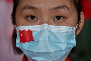 China informó un leve aumento de los casos positivos del Covid-19 por segundo día