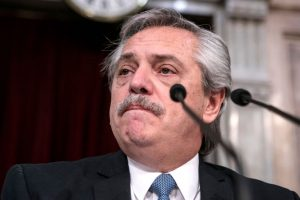 Presidente de Argentina criticó a la oposición por insinuar que el Gobierno tuvo que ver en la muerte de exsecretario de Cristina Fernández