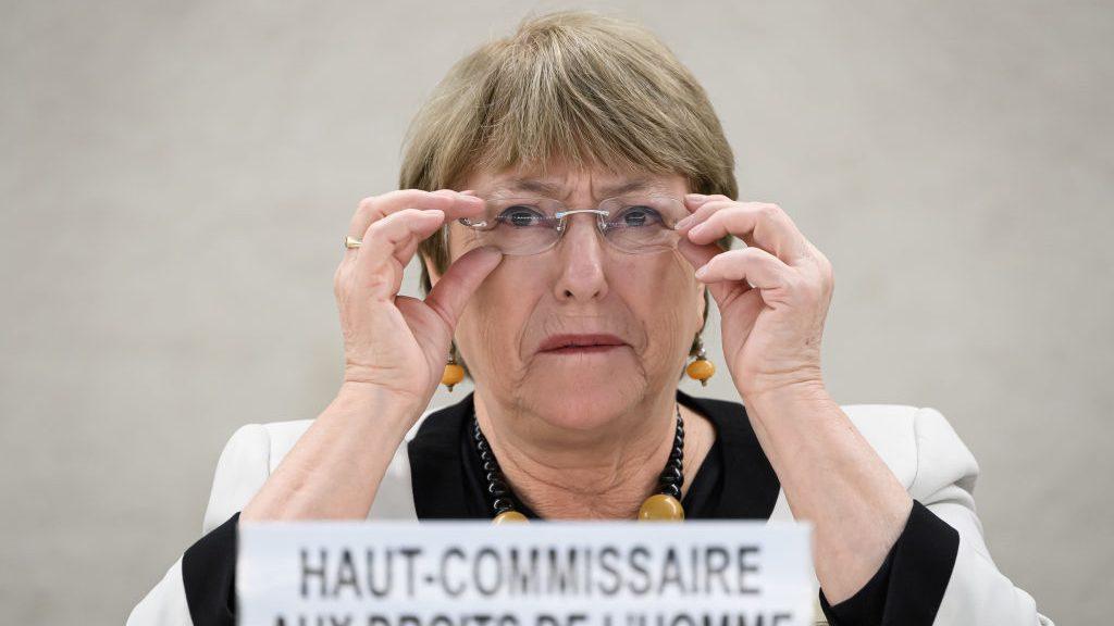 """Bachelet teme que medidas contra el coronavirus se usen para hacer """"cambios represivos"""" en los países"""