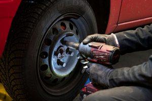 ADN Motor: ¿Qué significan los números y letras que llevan los neumáticos en los costados?