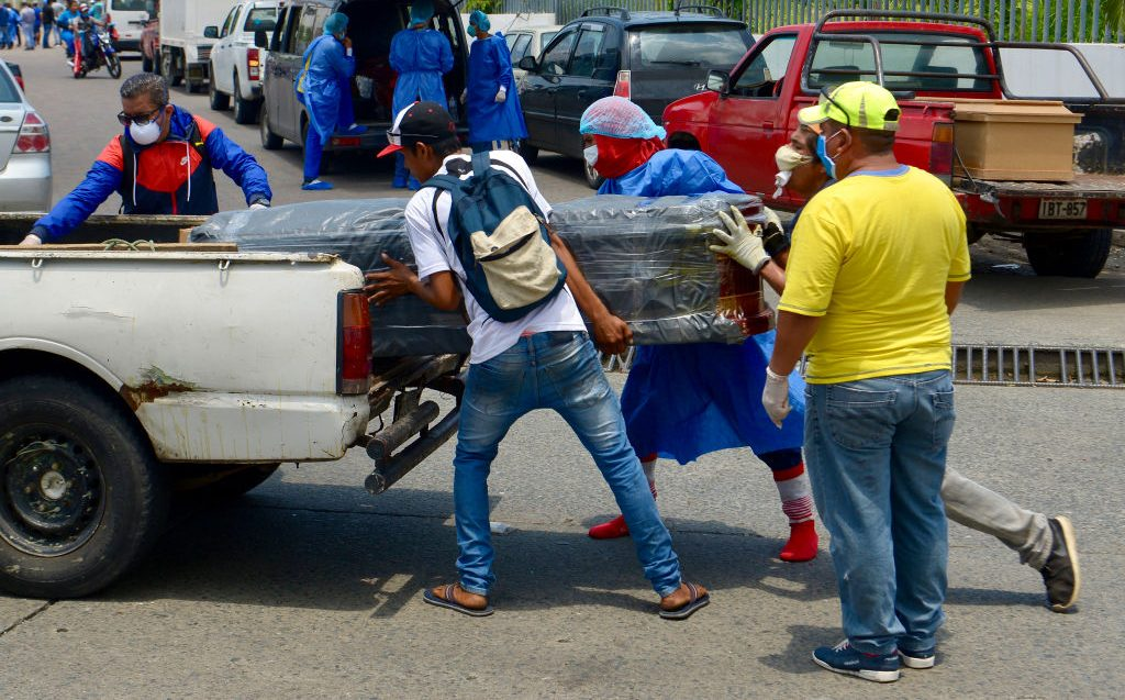 "Periodista: ""Llegamos a esta situación en Ecuador porque no se respetó el cerco epidemiológico"""