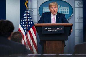 """Trump advierte que """"muchas muertes"""" vendrán las próximas semanas en EE.UU. por el coronavirus"""