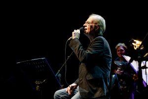 Falleció el reconocido cantautor español Luis Eduardo Aute