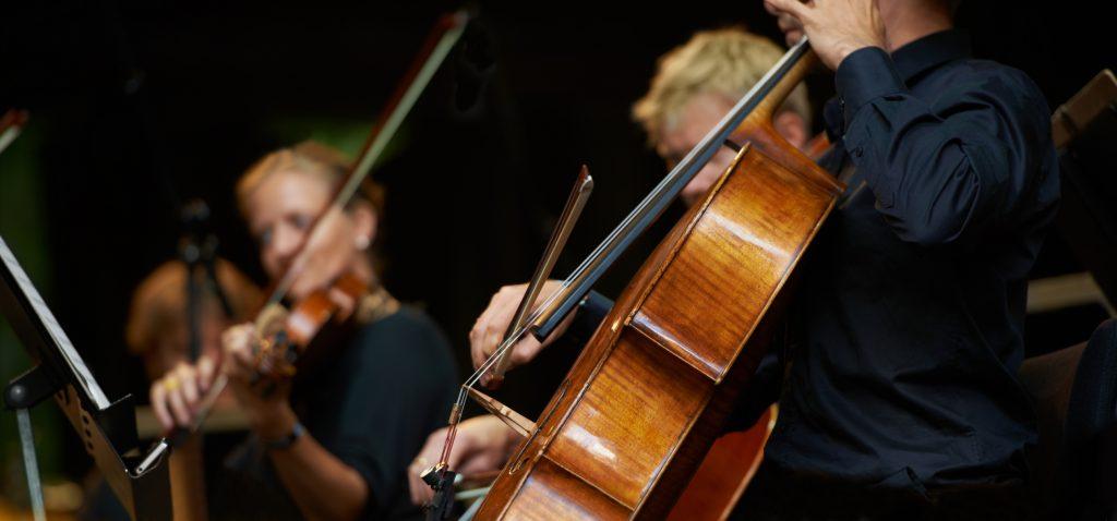 Con la Novena Sinfonía y bajo el alero universitario: Así fue el regreso de Radio Beethoven a la FM