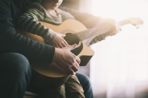 Gibson liberó cursos para aprender guitarra de manera gratuita debido al coronavirus