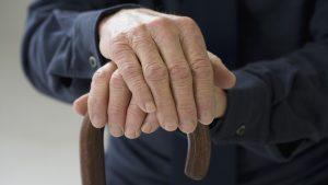 Abuelo murió en Argentina por coronavirus luego de que su nieto rompiera la cuarentena y lo contagiara