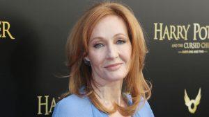 J. K. Rowling señaló que sufrió síntomas asociados al coronavirus